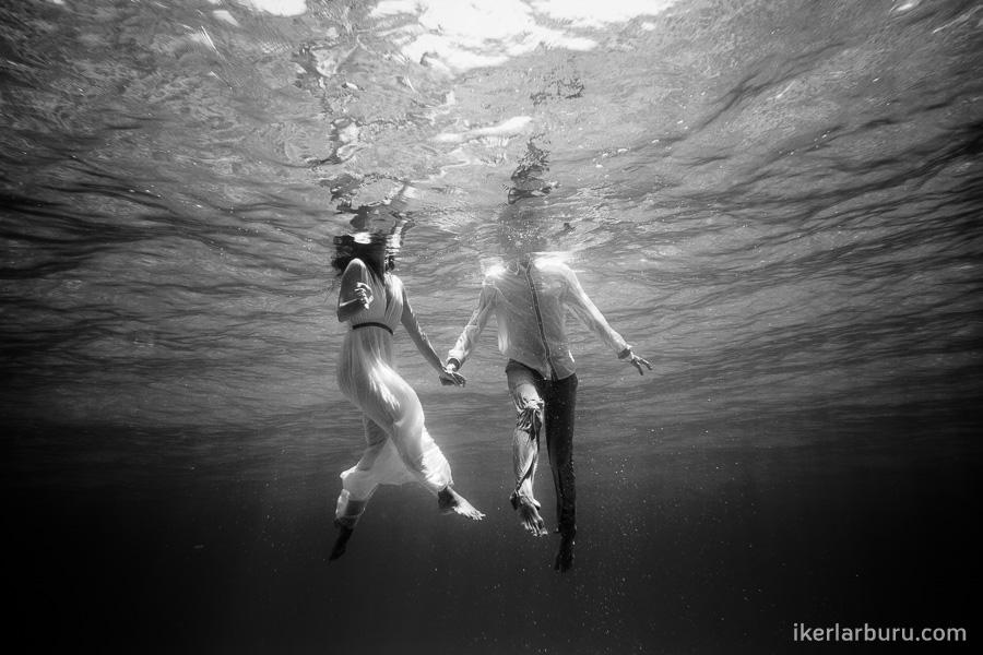mallorca-trash-dress-underwater-8286