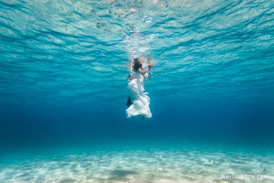 mallorca-post-boda-agua-underwater-wedding-2560