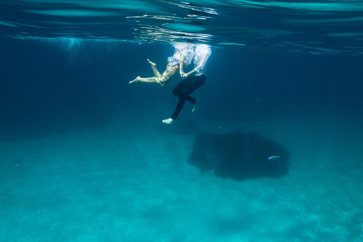 10302-fotografia-embarazo-premama-bajo-el-agua-mar-mallorca