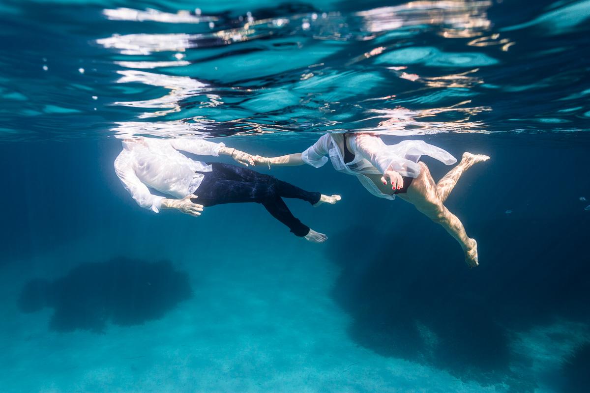 10388-fotografia-embarazo-premama-bajo-el-agua-mar-mallorca