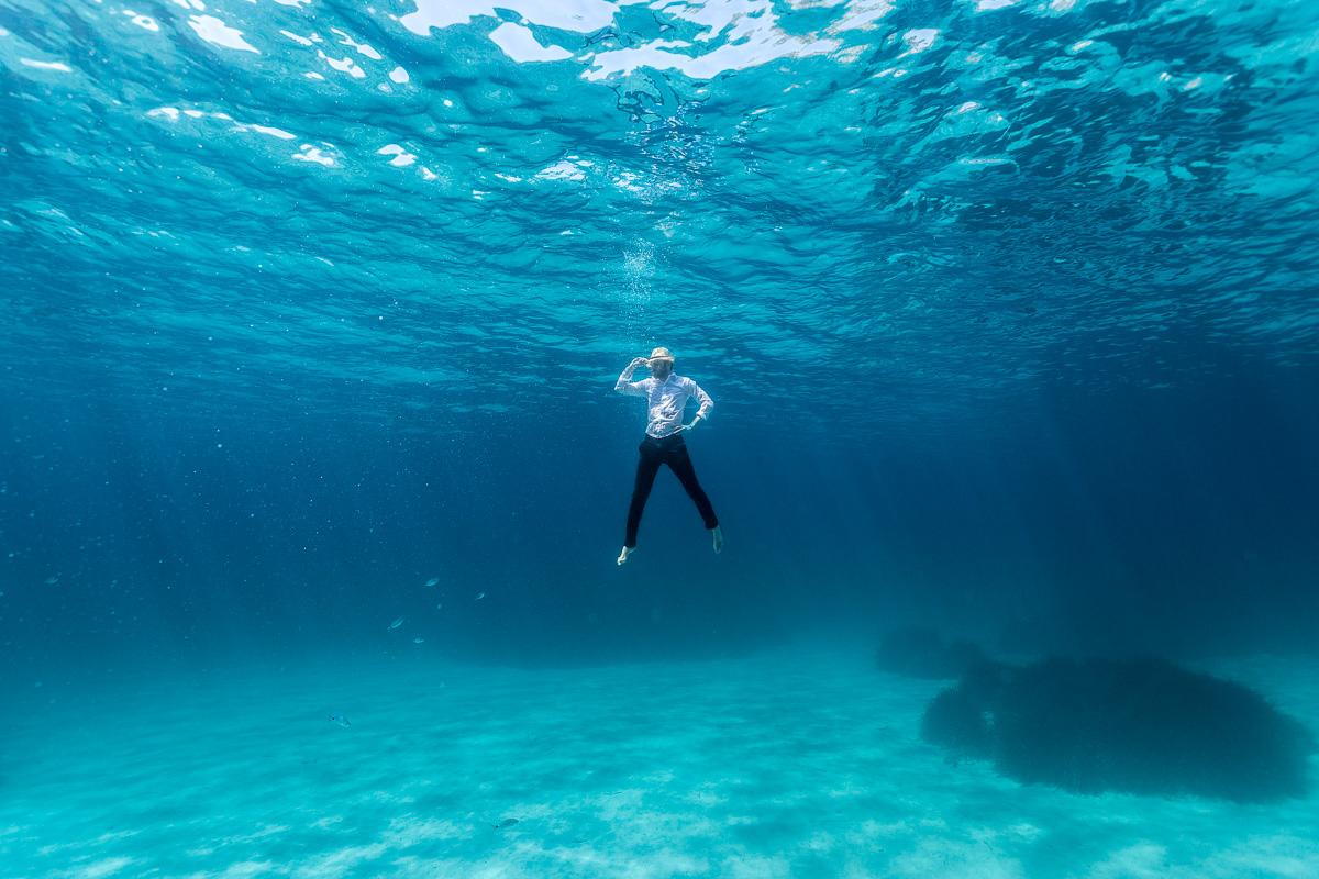 Sesi n de premam bajo el agua iker larburu photography for Imagenes de hoteles bajo el agua