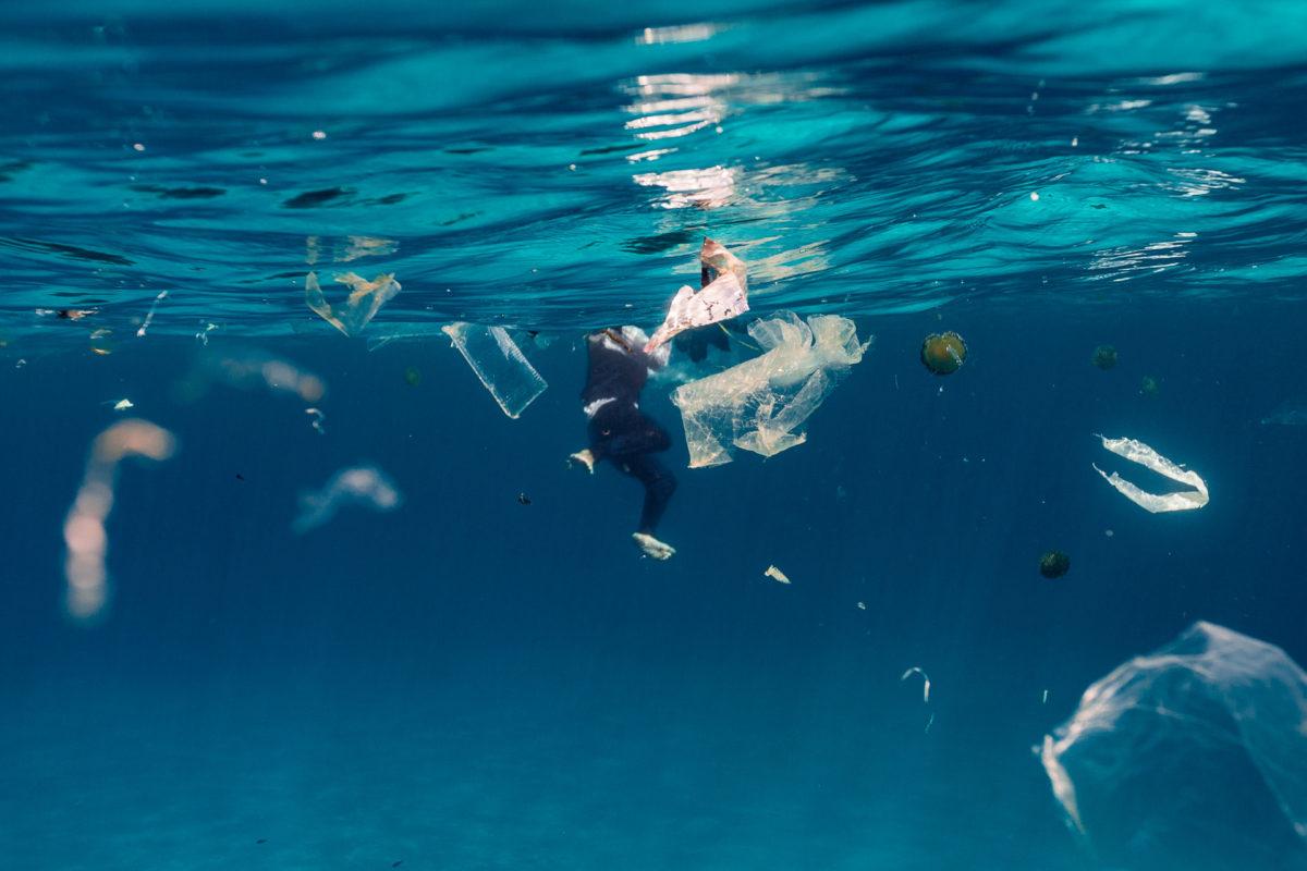 Invasión de plásticos en la costa de Mallorca